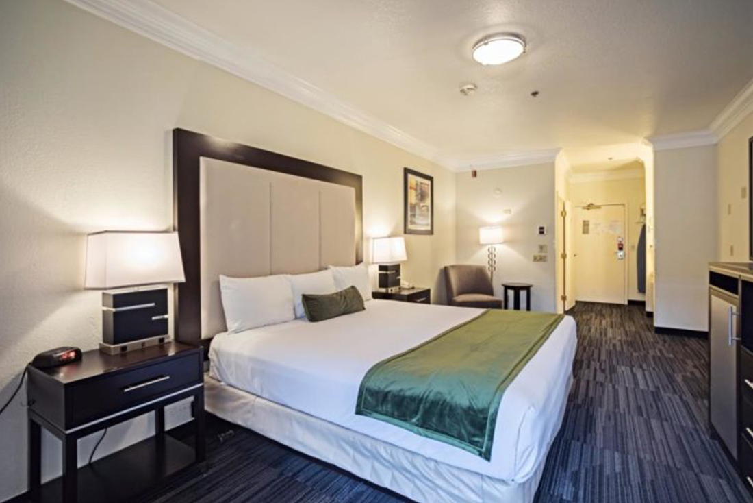 King Guest Room at Arena Hotel in Downtown San Jose - ADA Compliant