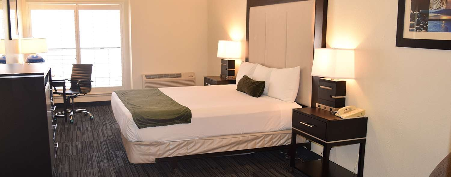 ARENA HOTEL OFFERS COMFORTABLE AND SPACIOUS GUESTROOMS FOR EVERY BUDGET